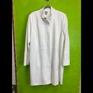NWT GORGEOUS WHITE COAT BY CHICO'S IN A SIZE 4